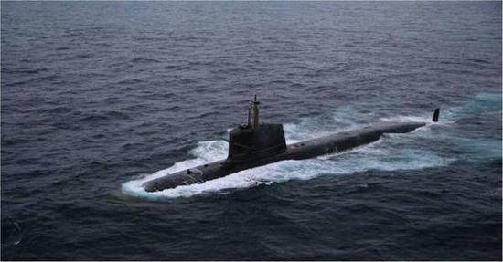 中国舰艇动力获大突破:首台潜艇永磁电机试验成功