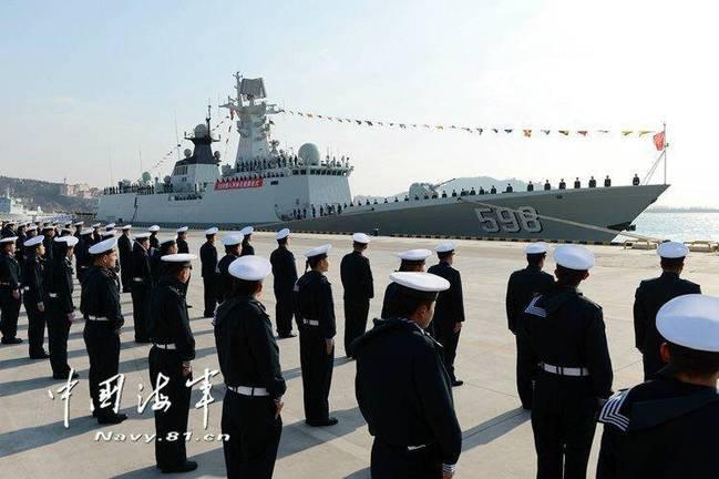 中国海军下饺子4天2舰 其中一舰除了极地哪都能去